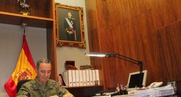 El Jefe de la Fuerza Terrestre, Teniente General Juan Gómez de Salazar