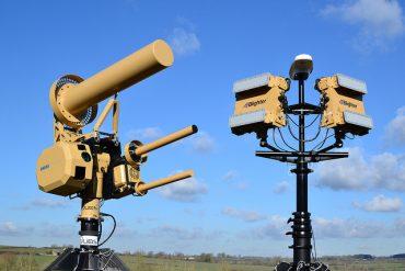 Dispositivos para la detección de drones. Foto: Blighter.
