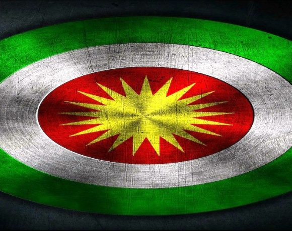 Bandera Kurdistán.