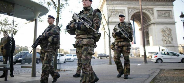 La imagen de reservistas de patrulla se ha hecho normal en Francia.