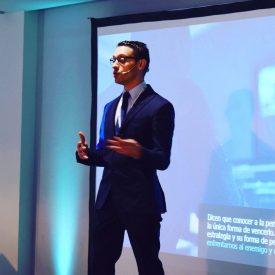 Alex Casanova, durante una conferencia.