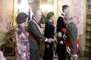 Los Reyes eméritos, junto con el Rey Felipe VI y doña Letizia.