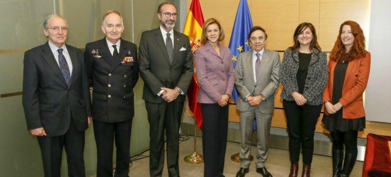 Cospedal llevará la cultura de Defensa a 3.800 centros educativos privados