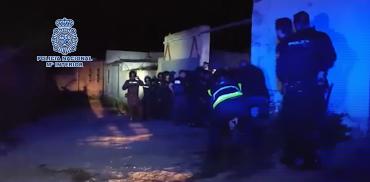 La agentes de policía detuvieron a cuatro personas en la vivienda de Algeciras. Fuente: Policía Nacional. Ministerio de Interior