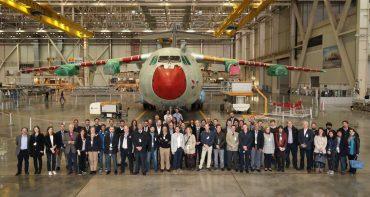 Visita de los participantes al Airbus Defense & Space en la anterior edición en 2016