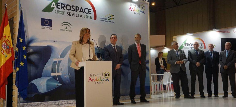 La Presidenta de la Junta de Andalucía, Susana Díaz, junto al alcalde de Sevilla, Juan Espadas.